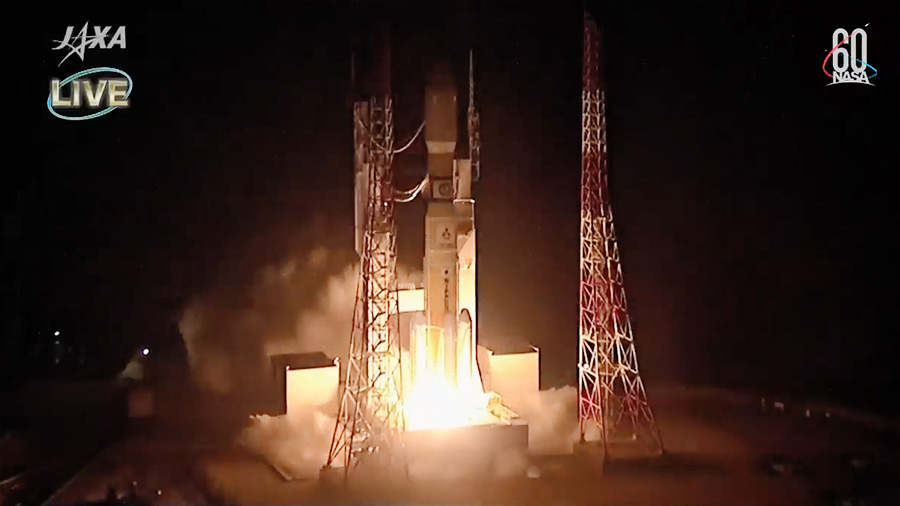 Japan's HTV-7 Resupply Ship Blasts Off