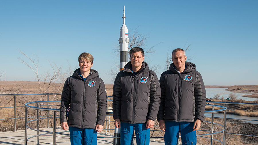 In Baikonur, Kazakhstan, Expedition 58 crew members