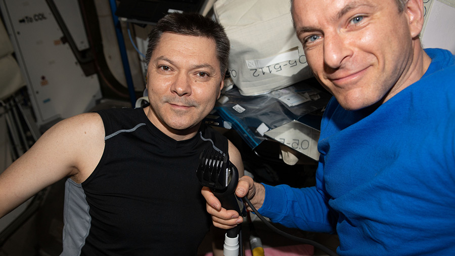 David Saint-Jacques and Oleg Kononenko of Expedition 58