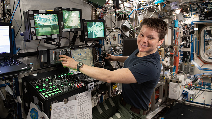 Expedition 59 Flight Engineer Anne McClain