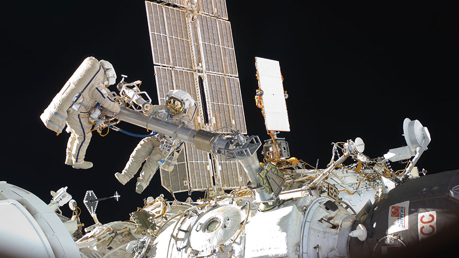 Spacewalkers Oleg Kononenko and Anton Shkaplerov