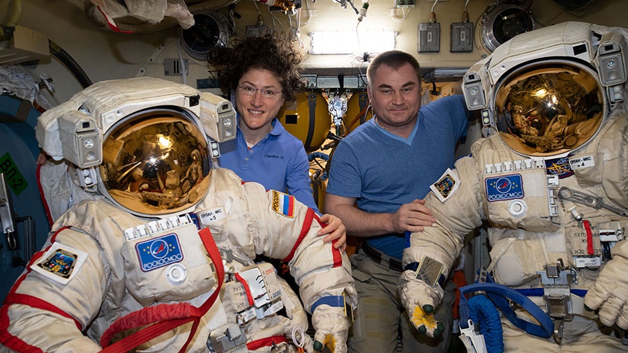 Expedition 59 Flight Engineers Christina Koch and Alexey Ovchinin