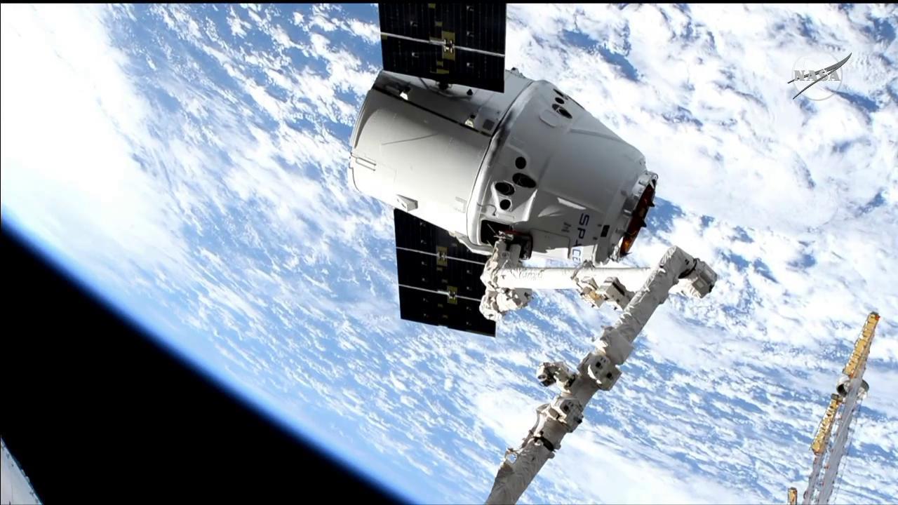 SpaceX Dragon Cargo Craft Captured