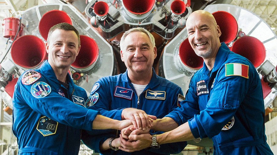 Expedition 60 crewmembers