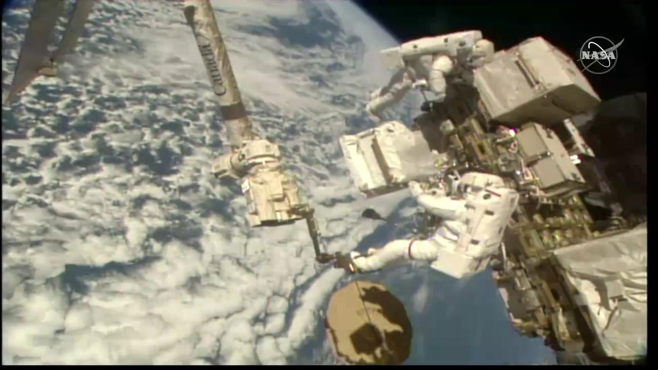 Astronauts Luca Parmitano and Andrew Morgan