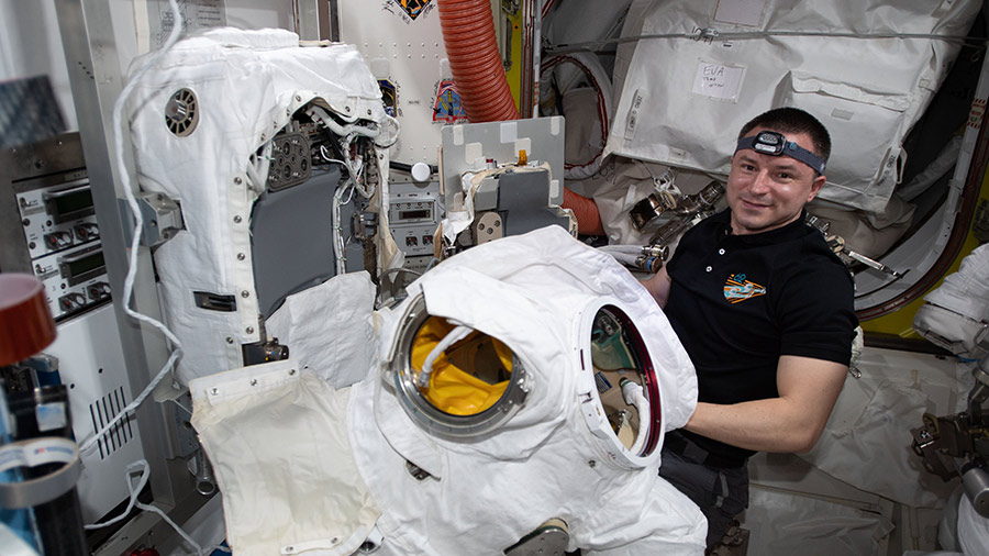 Expedition 62 Flight Engineer Andrew Morgan