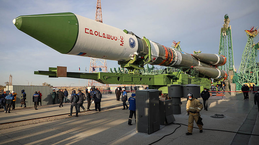 Russia's ISS Progress 79 resupply rocket rolls out to its launch pad at the Baikonur Cosmodrome in Kazakhstan early in the morning on Oct. 25, 2021. Credit: RSC Energia