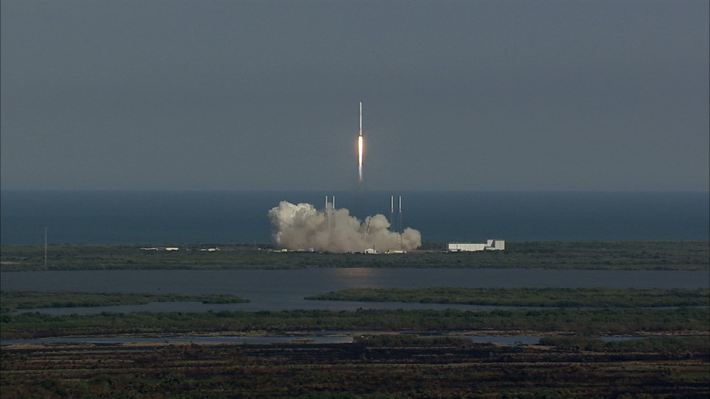Liftoff of SpaceX CRS-8