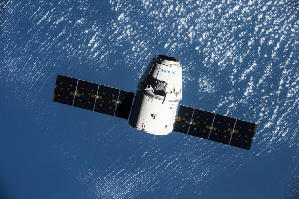SpaceX Dragon spacecraft arrives