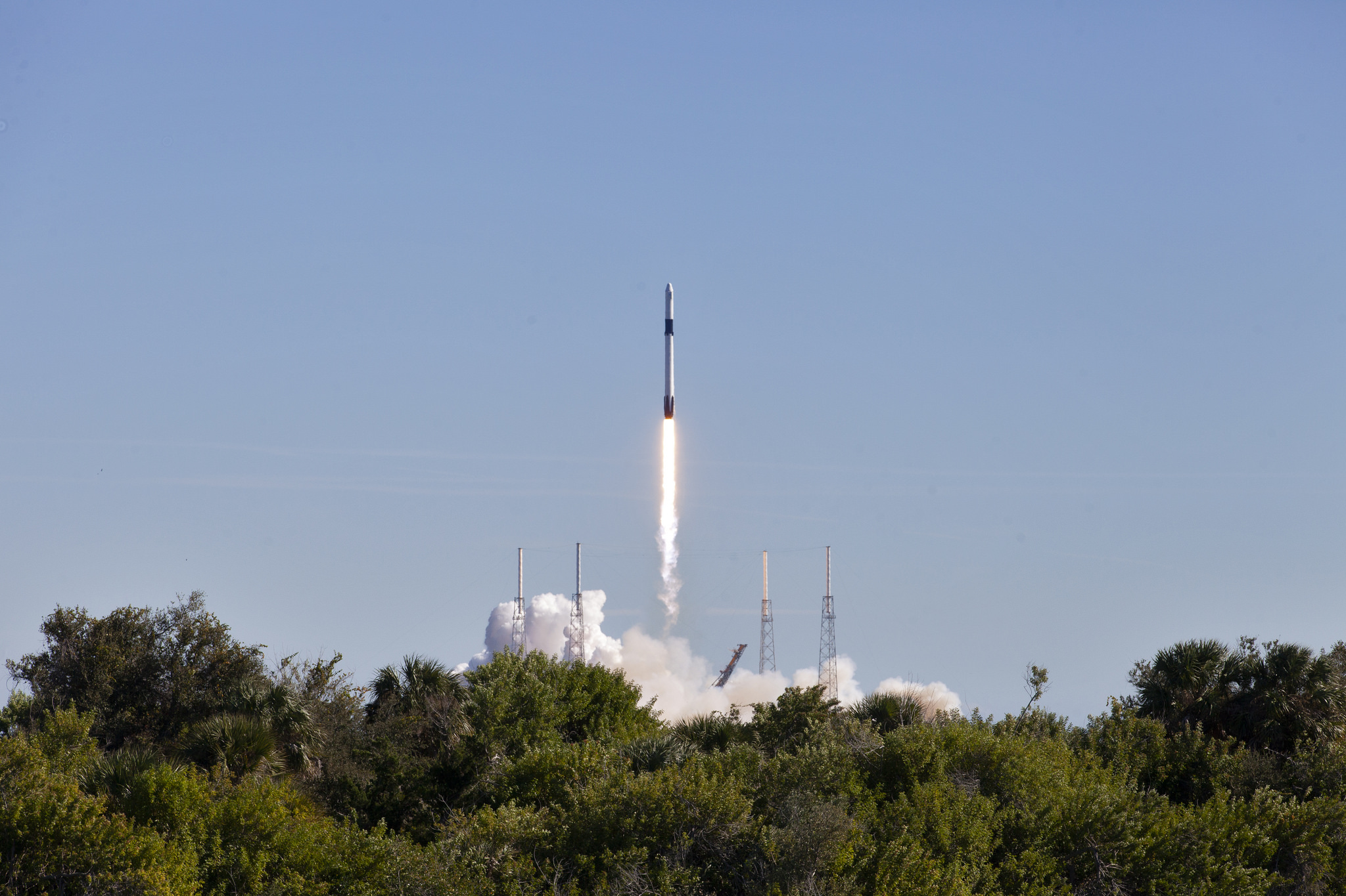 The Two Stage Falcon 9 Launch Vehicle Lifts Off Space Complex 40 At Cape