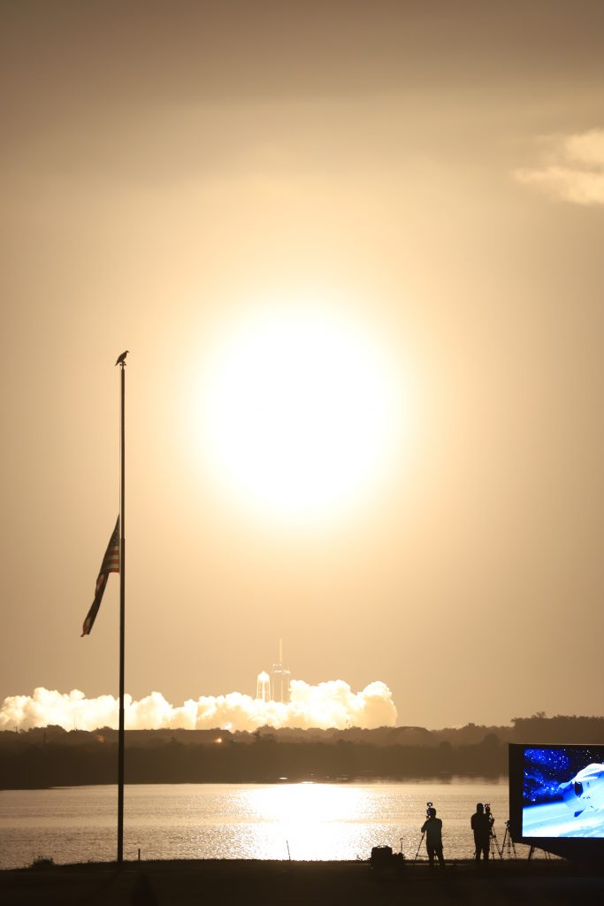 CRS-23 launch from Kennedy Space Center