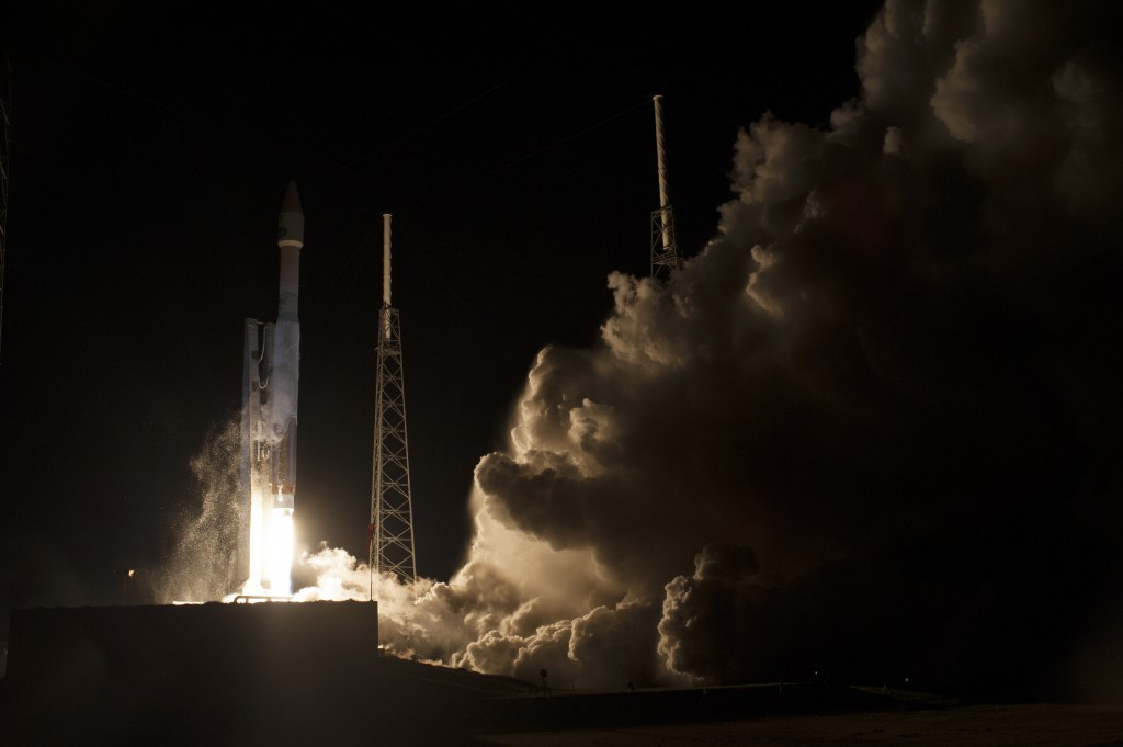 Liftoff of the Atlas V carrying TDRS-L