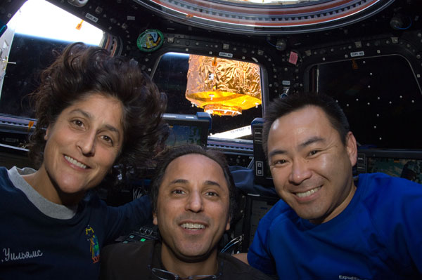 ISS032-E-010700: Flight Engineers Suni Williams, Joe Acaba and Aki Hoshide