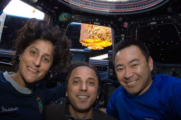 ISS032-E-010700: Flight Engineers Suni Williams, Joe Acaba and Aki Hoshide