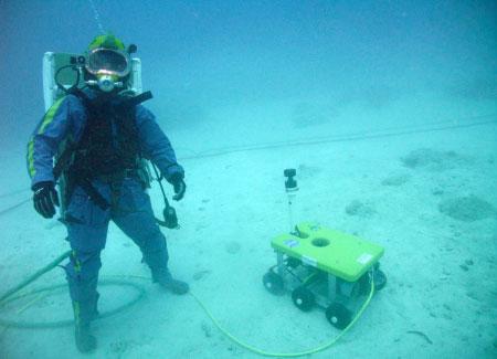 Aquanaut and ROV