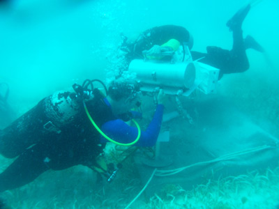 NEEMO 15 engineer divers