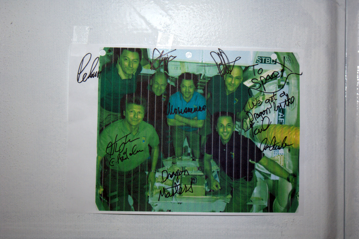 Autographed photo of Expedition 31