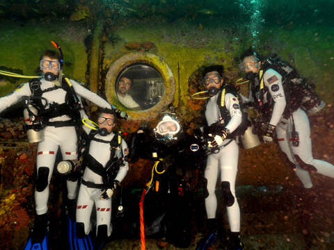 The NEEMO 16 crew's underwater portrait